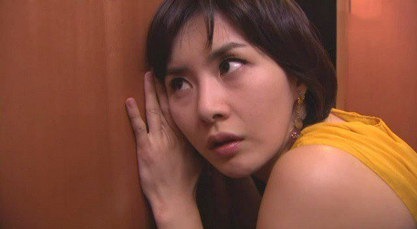 Hầm gà tẩm bổ em dâu đang mang bầu, vừa bưng lên cửa tôi liền đổ bỏ khi nghe thấy tiếng ting ting trong phòng em-2