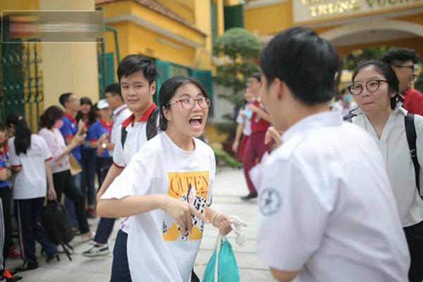 MỚI: Hà Nội xem xét cho học sinh trở lại trường vào đầu tháng 11 khi thành phố tiêm phủ mũi 2 vắc xin-1