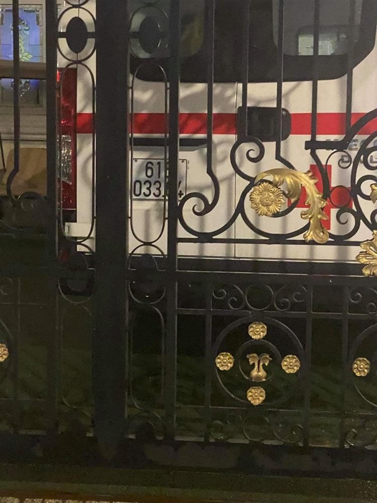 Sân nhà nữ CEO Đại Nam bỗng dưng xuất hiện xe cứu thương khiến nhiều người xôn xao-4