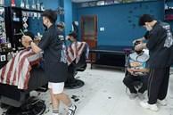 NÓNG: Hà Nội chuyển áp dụng Chỉ thị 15, cho phép mở lại tiệm cắt tóc, cửa hàng ăn uống được bán mang về