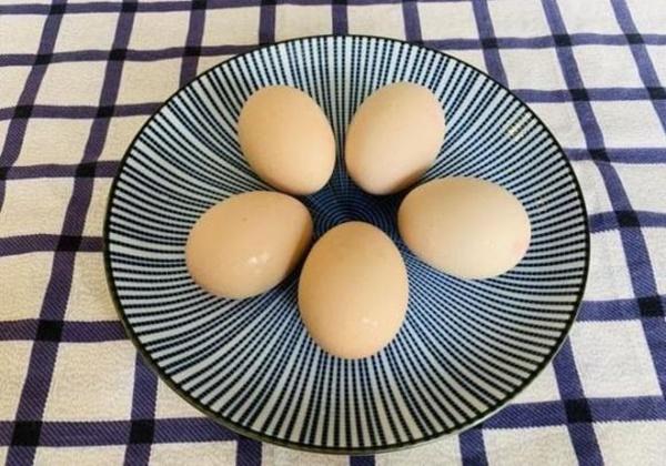 Cách nấu trứng như thế nào cho ngon? Chủ cửa hàng bán đồ ăn sáng: Nắm vững 3 điểm này, trứng chín mềm, bóc vỏ dễ và bổ dưỡng-1