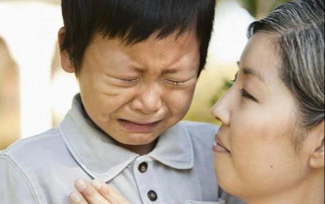 Mẹ đau đầu vì con trai ra ngoài ai cũng khen lễ phép, hễ về nhà là trở mặt ngỗ ngược, nguyên nhân ai nghe cũng giật mình-2