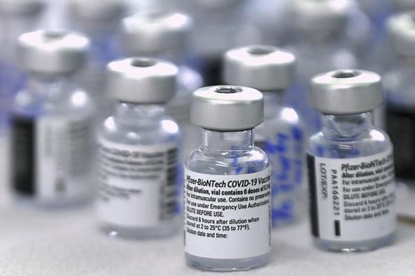 Tác dụng phụ phổ biến ở người tiêm vaccine Pfizer mũi thứ 3-1