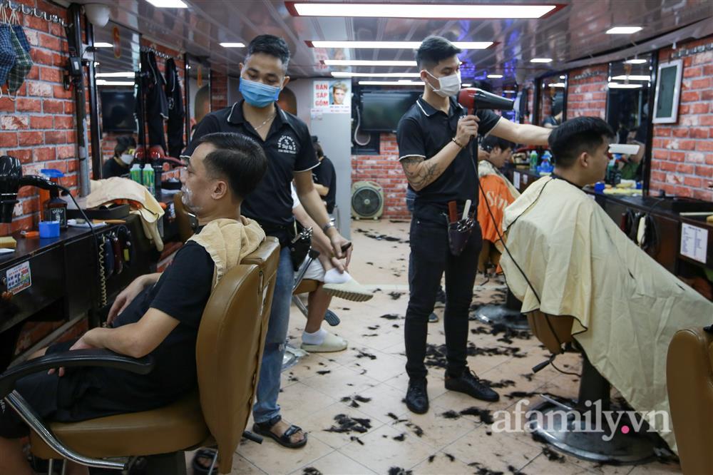 Sáng nay, toàn dân Hà Nội đi cắt tóc!-2