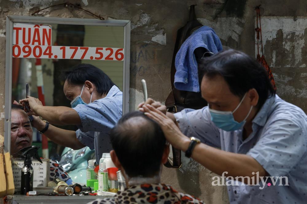 Sáng nay, toàn dân Hà Nội đi cắt tóc!-10