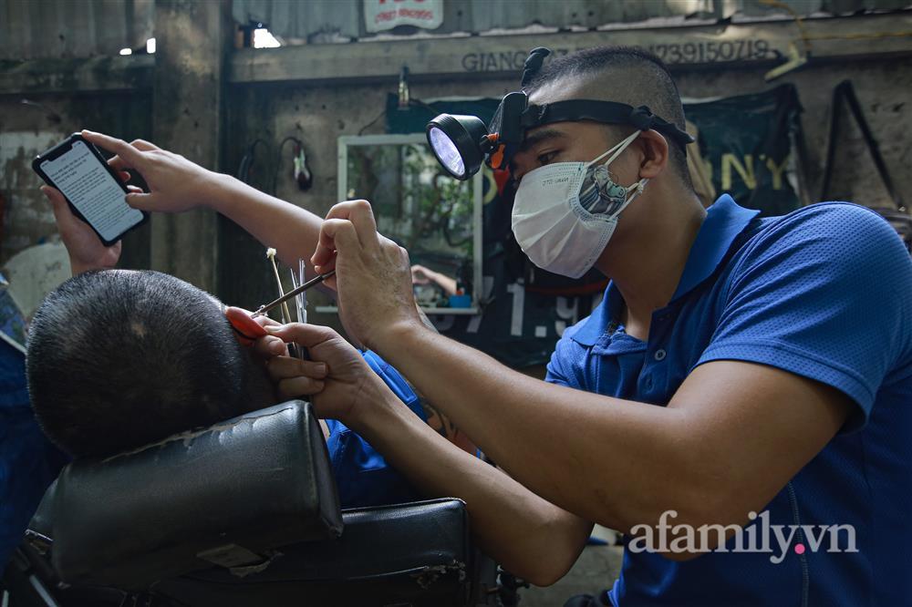Sáng nay, toàn dân Hà Nội đi cắt tóc!-13