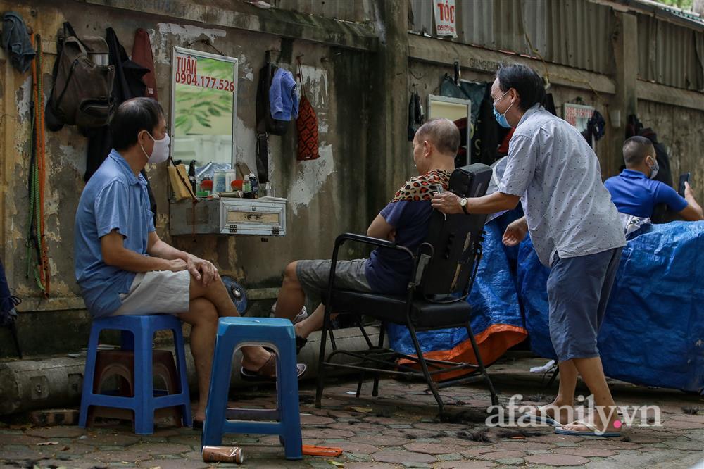 Sáng nay, toàn dân Hà Nội đi cắt tóc!-7