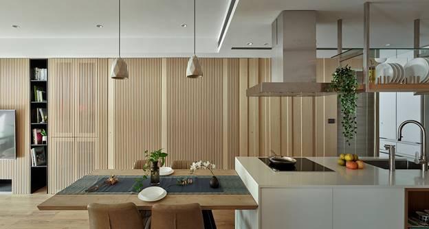 Cuộc sống hạnh phúc của gia đình 5 người trong căn hộ nhỏ, diện tích hạn chế nhưng không gian sống vẫn thoải mái và tiện nghi-3