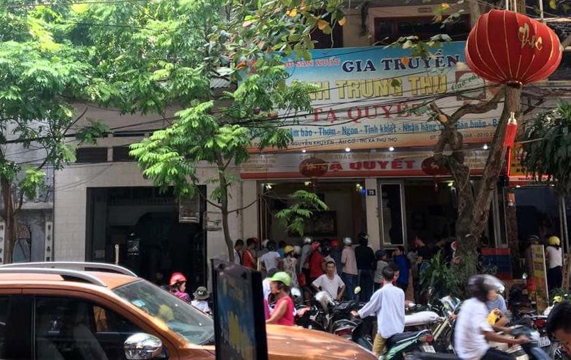 Bất ngờ ở Hà thành: Bánh Trung thu khan hiếm, chưa dọn cỗ đã hết sạch-6