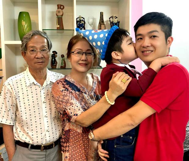 Động thái của chồng cũ Nhật Kim Anh giữa lúc nữ ca sĩ đăng clip bật khóc khi chưa thể đón con trai về sống cùng-3