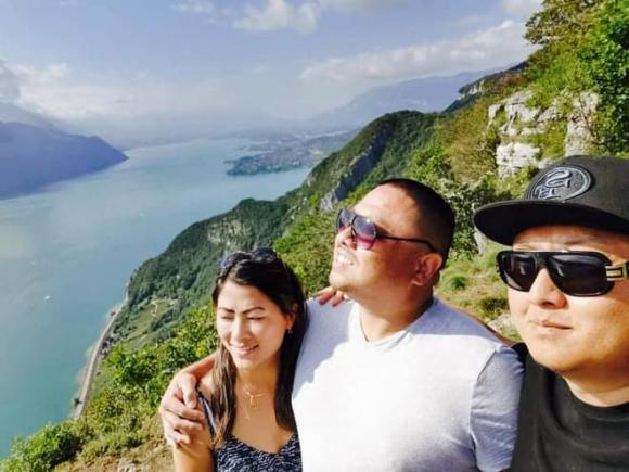 Loạt khoảnh khắc ngọt ngào của Lò Thị Mai và bạn trai CEO: Từng ra mắt người thân, không ngại thể hiện tình cảm ngoài đời-6