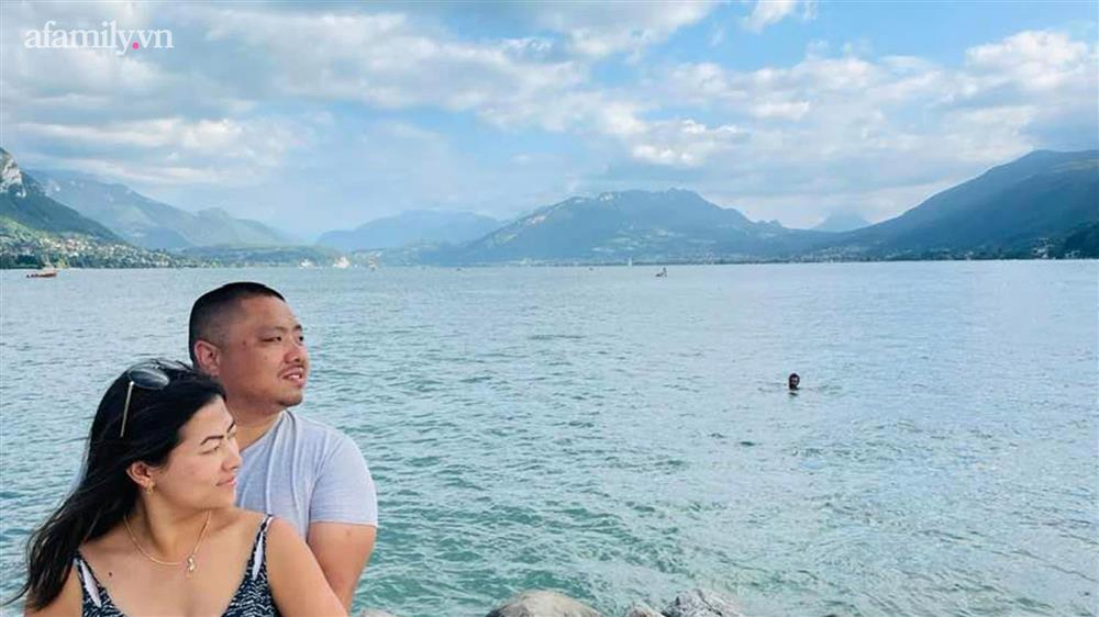 Loạt khoảnh khắc ngọt ngào của Lò Thị Mai và bạn trai CEO: Từng ra mắt người thân, không ngại thể hiện tình cảm ngoài đời-5