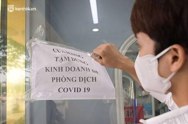 Toàn cảnh Hà Nội trong ngày đầu nới lỏng giãn cách: Đặc sản tắc đường, nhịp sống quay trở lại, người dân ùn ùn ra cửa ngõ rời Thủ đô-25