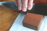 Gợi ý 5 cách mài dao tại nhà giúp sắc như dao đầu bếp