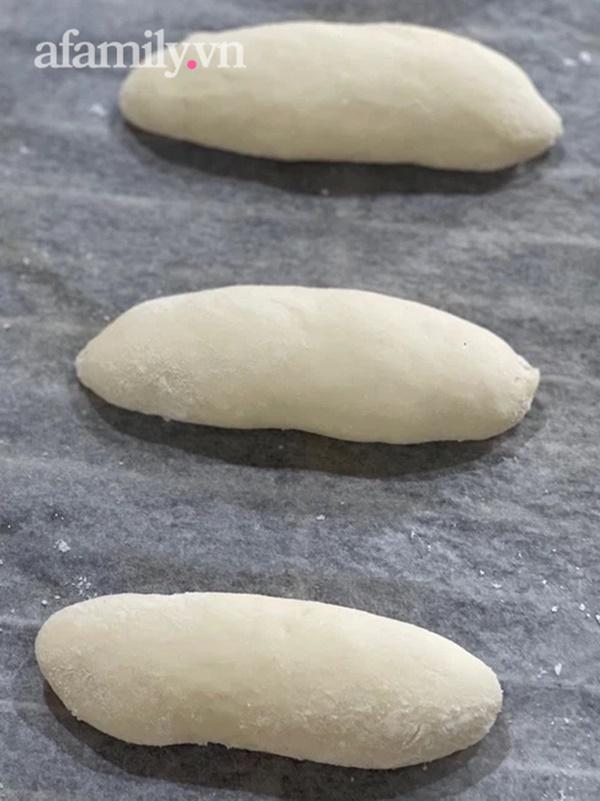 Cách làm bánh mì chuột vỏ mỏng giòn bằng nồi chiên không dầu, ăn đến đâu mê mẩn đến đấy!-6