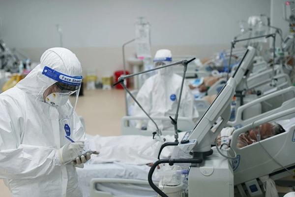 Bộ Y tế bổ sung thuốc điều trị cho bệnh nhân mắc Covid-19 nhẹ và người có bệnh nền-1