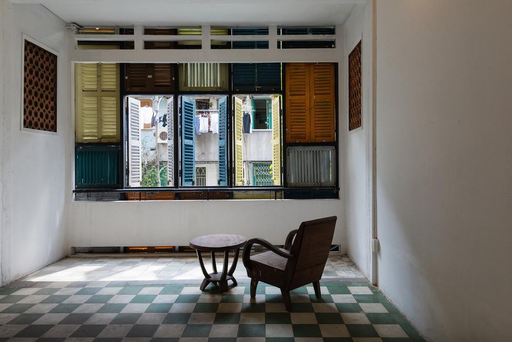 Ngôi nhà 60m2 với vô vàn ô cửa sắc màu ở Sài Gòn, bên trong chuẩn vibe vintage quá mê-16