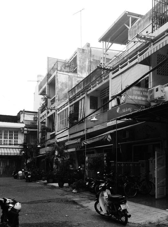 Ngôi nhà 60m2 với vô vàn ô cửa sắc màu ở Sài Gòn, bên trong chuẩn vibe vintage quá mê-19