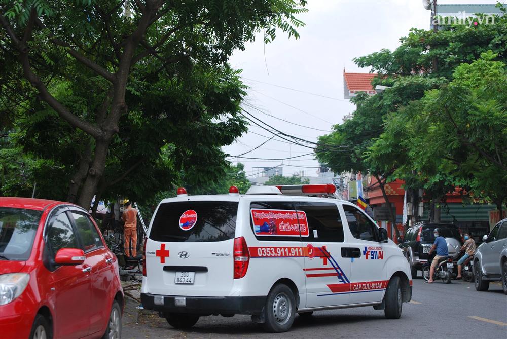 Hà Nội: Thợ cắt tóc dương tính SARS-CoV-2, lấy mẫu xét nghiệm toàn bộ một khu phố ở Hà Đông-6