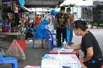 Hà Nội: Thợ cắt tóc dương tính SARS-CoV-2, lấy mẫu xét nghiệm toàn bộ một khu phố ở Hà Đông