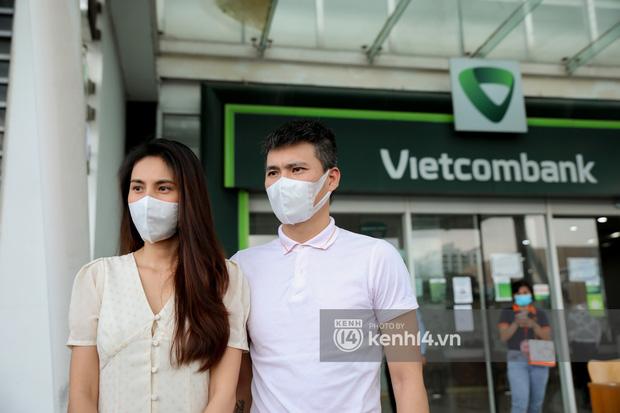 Fanpage Vietcombank lên tiếng sau phát ngôn của bà Phương Hằng về tạm khoá báo có, netizen vẫn tiếp tục chất vấn-3