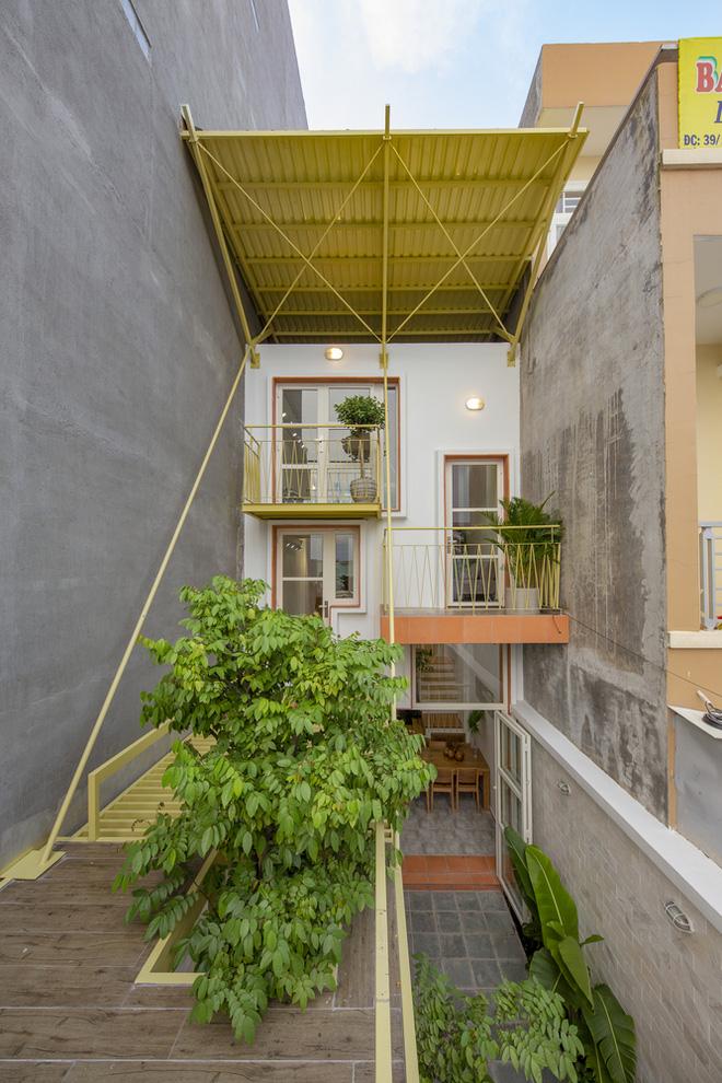 Nhà mái đôi Sài Gòn xinh ngất ngây với thiết kế lõi xanh, chỉ ngắm cũng thấy ngập tràn năng lượng tích cực-2