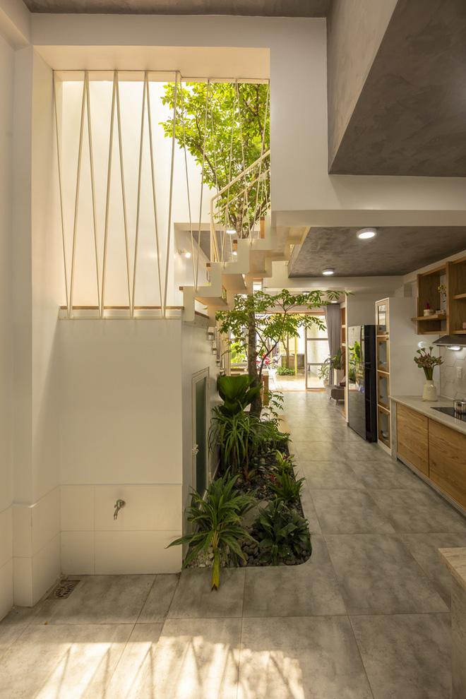 Nhà mái đôi Sài Gòn xinh ngất ngây với thiết kế lõi xanh, chỉ ngắm cũng thấy ngập tràn năng lượng tích cực-11