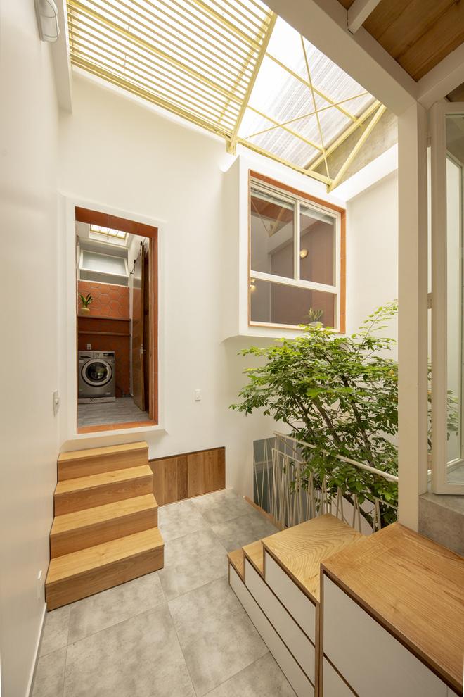 Nhà mái đôi Sài Gòn xinh ngất ngây với thiết kế lõi xanh, chỉ ngắm cũng thấy ngập tràn năng lượng tích cực-13