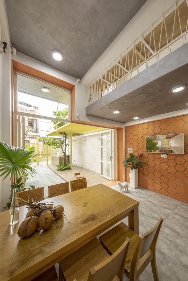 Nhà mái đôi Sài Gòn xinh ngất ngây với thiết kế lõi xanh, chỉ ngắm cũng thấy ngập tràn năng lượng tích cực-7