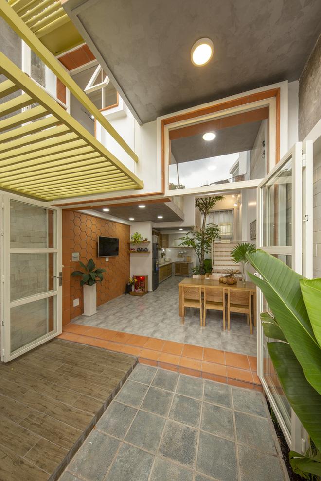 Nhà mái đôi Sài Gòn xinh ngất ngây với thiết kế lõi xanh, chỉ ngắm cũng thấy ngập tràn năng lượng tích cực-8