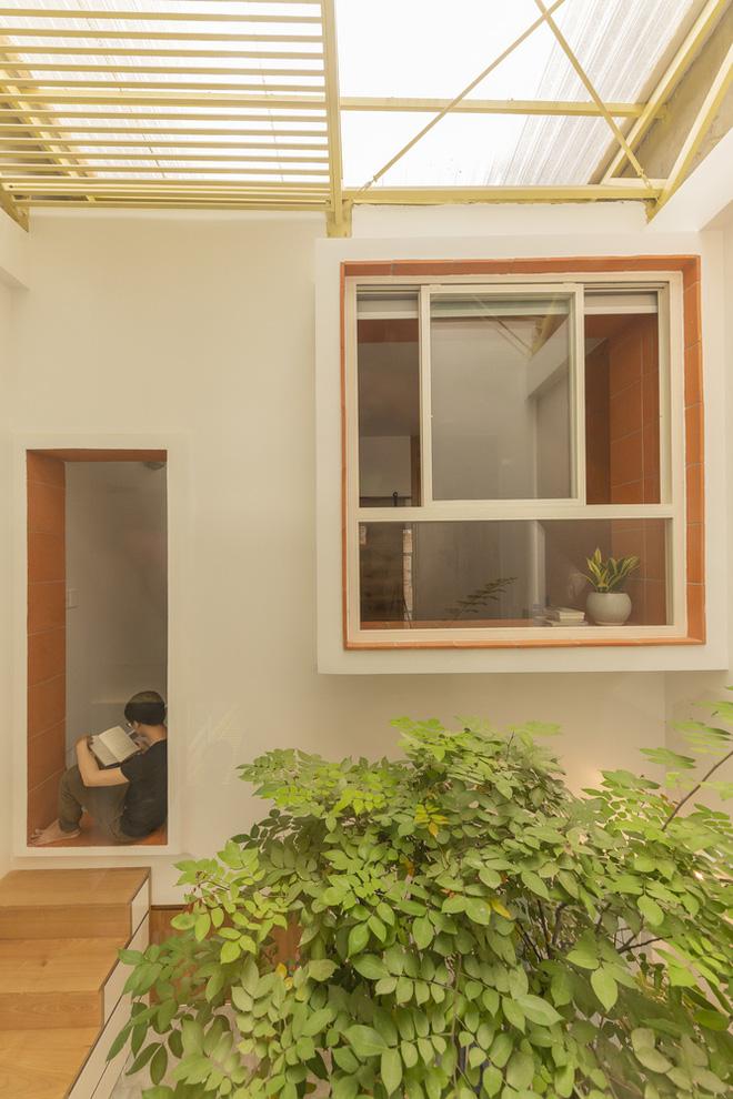 Nhà mái đôi Sài Gòn xinh ngất ngây với thiết kế lõi xanh, chỉ ngắm cũng thấy ngập tràn năng lượng tích cực-17