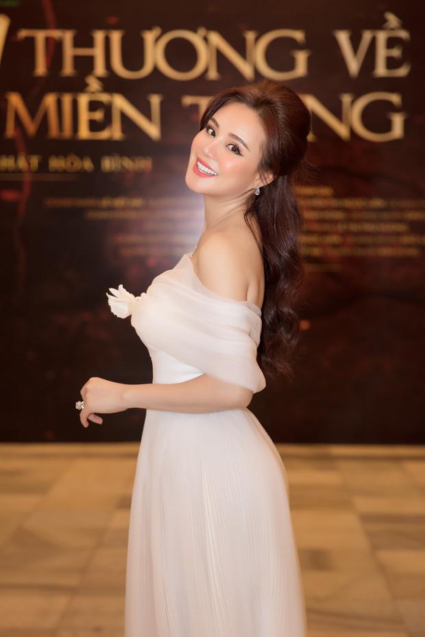 Netizen mỉa mai Vy Oanh kiện CEO Đại Nam cho vui, nữ ca sĩ quyết theo đến cùng vì 1 nhân vật đặc biệt?-4