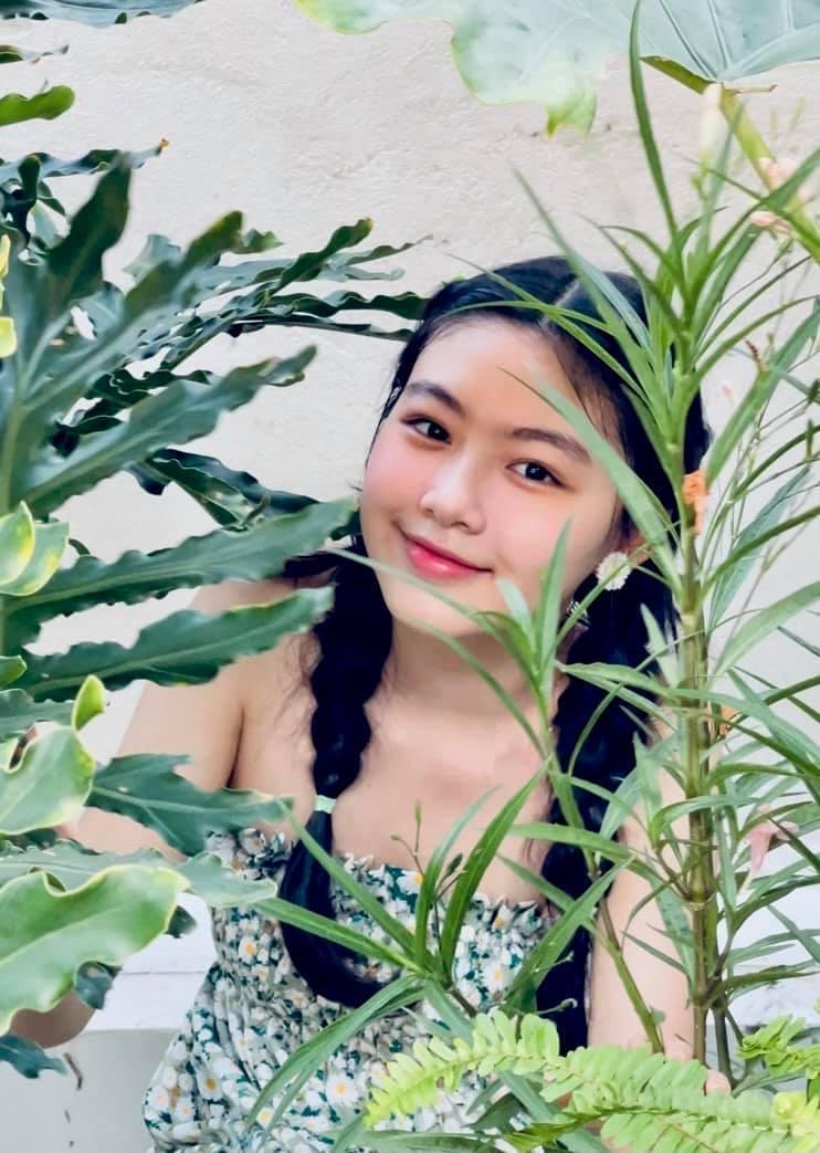 Ái nữ nhà MC Quyền Linh mặt mộc khoe trọn nét trong trẻo thiếu nữ dưới ống kính của mẹ-4