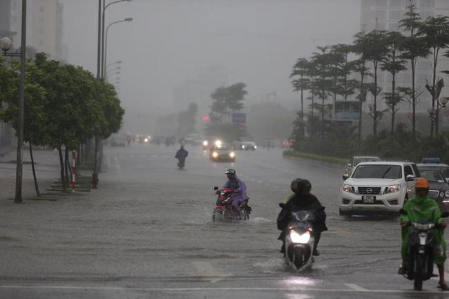 NÓNG: Áp thấp nhiệt đới gần bờ mạnh lên thành bão số 6 giật cấp 10, ảnh hưởng đất liền từ tối nay-2