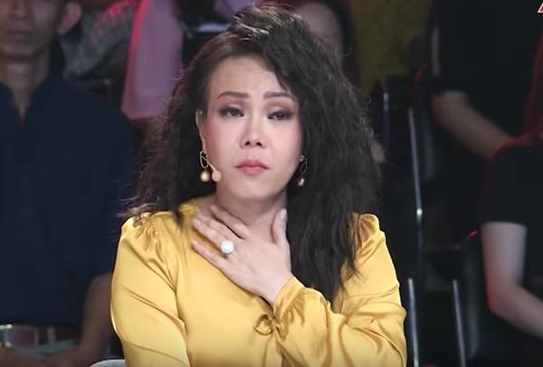 Xót xa cảnh tro cốt ca sĩ Y Jang Tuyn trở về với gia đình, Việt Hương nói gì mà nghe quá xúc động?-3