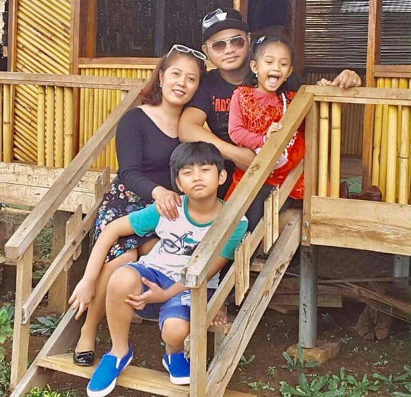 Xót xa cảnh tro cốt ca sĩ Y Jang Tuyn trở về với gia đình, Việt Hương nói gì mà nghe quá xúc động?-5