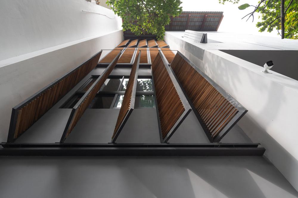 Nhà khoét mái 2 mặt tiền ở Hà Nội: Nhìn từ trên xuống đã trầm trồ, bước vào trong lại phải wow thêm tiếng nữa-7