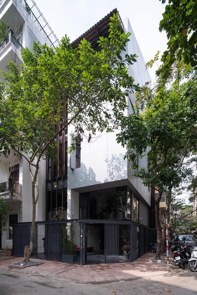 Nhà khoét mái 2 mặt tiền ở Hà Nội: Nhìn từ trên xuống đã trầm trồ, bước vào trong lại phải wow thêm tiếng nữa-20