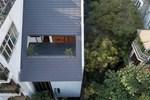 Nhà 'khoét mái' 2 mặt tiền ở Hà Nội: Nhìn từ trên xuống đã trầm trồ, bước vào trong lại phải wow thêm tiếng nữa