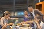 Xôn xao clip Thủy Tiên đi ăn uống sang chảnh trong lúc làm từ thiện miền Trung