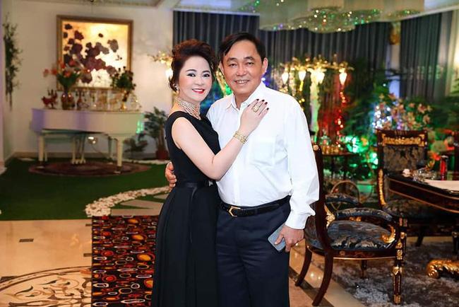 """Ông chủ Đại Nam và các con bị dân mạng tấn công khiến bà Phương Hằng viết tâm thư đau đến tận cùng"""" để xin lỗi chồng con-1"""