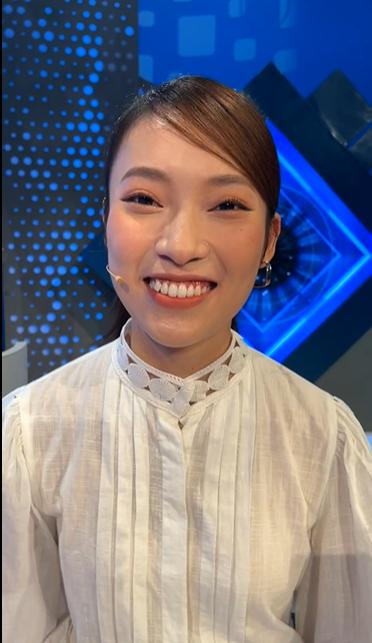 Khánh Vy xuất hiện trước giờ lên sóng tập đầu tiên của Đường Lên Đỉnh Olympia khẳng định mối quan hệ với tiền bối Diệp Chi-4