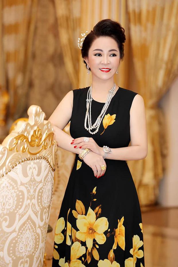 Sở hữu BST kim cương triệu đô, CEO Nguyễn Phương Hằng lái xe gì cho xứng với đẳng cấp thượng lưu?-1