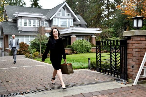 Bất ngờ với cuộc sống của Công chúa Huawei khi còn bị giam ở Canada: Thoải mái ăn nhà hàng, sắm đồ hiệu-2