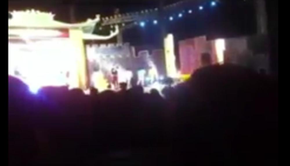 Lời nhắn của Đàm Vĩnh Hưng gửi bà Phương Hằng trước hàng nghìn khán giả bỗng hot trở lại-2