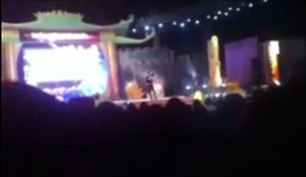 Lời nhắn của Đàm Vĩnh Hưng gửi bà Phương Hằng trước hàng nghìn khán giả bỗng hot trở lại-1
