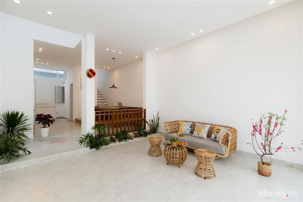 Căn nhà phố màu trắng gọn xinh ấm cúng của cặp vợ chồng trẻ Đà Nẵng có chi phí hoàn thiện 1,4 tỷ đồng-4