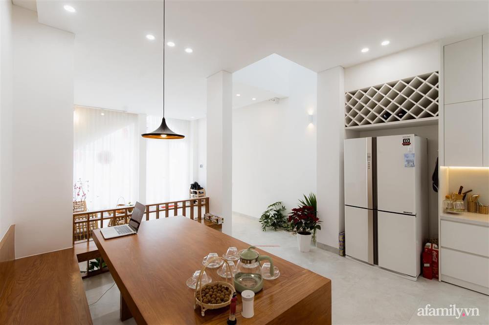 Căn nhà phố màu trắng gọn xinh ấm cúng của cặp vợ chồng trẻ Đà Nẵng có chi phí hoàn thiện 1,4 tỷ đồng-13