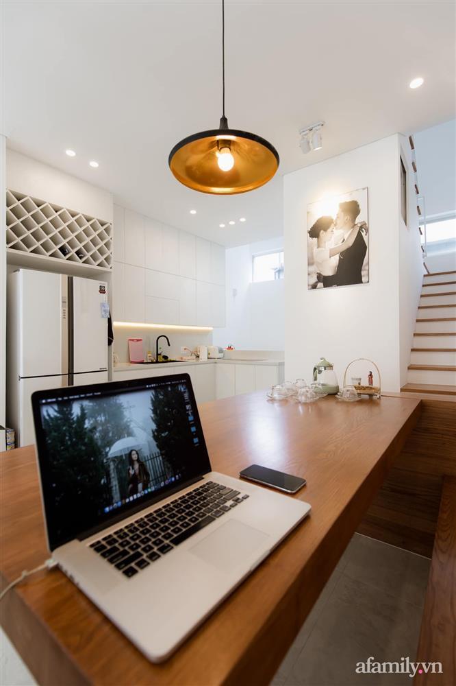 Căn nhà phố màu trắng gọn xinh ấm cúng của cặp vợ chồng trẻ Đà Nẵng có chi phí hoàn thiện 1,4 tỷ đồng-16