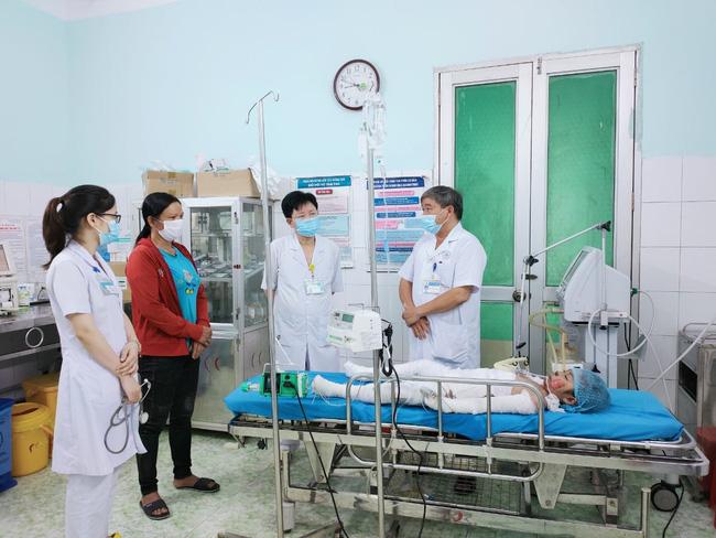 Kinh hoàng: Chồng sát hại vợ rồi tẩm xăng chết cùng 2 con nhỏ ở Tuyên Quang-2
